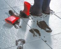 Reinigungsmittel für Betonplatten